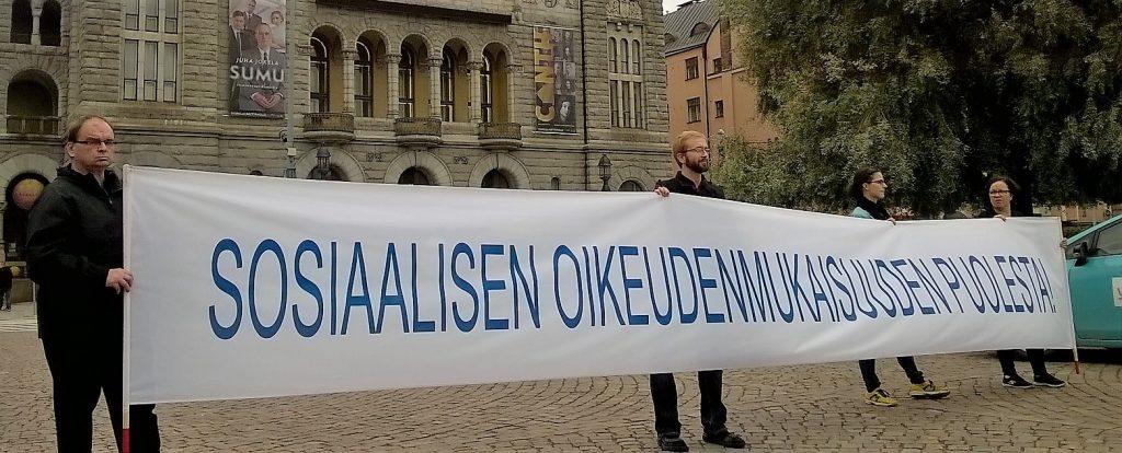 HSO benderolli 03092016 kolmas joukkovoimamiekkari kansallisteatteri taustatukena WP_20160903_007
